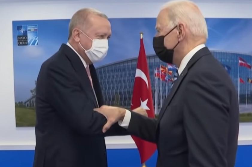 Erdogan a jeho geopolitické šachy